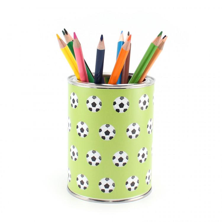 Stiftebecher Fußball grün inkl. 12 Dreikant Buntstiften| Kinder Stifteköcher Stiftehalter Schreibtisch Organizer Junge
